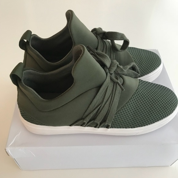 Steve Madden Lancer Sneakers Olive Sz 8